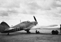 Hurricane_TM-J_No_504_Squadron_RAF_being_refuelled.jpg