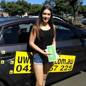 Get Driving Lessons in the Best Driving School in Sunbury