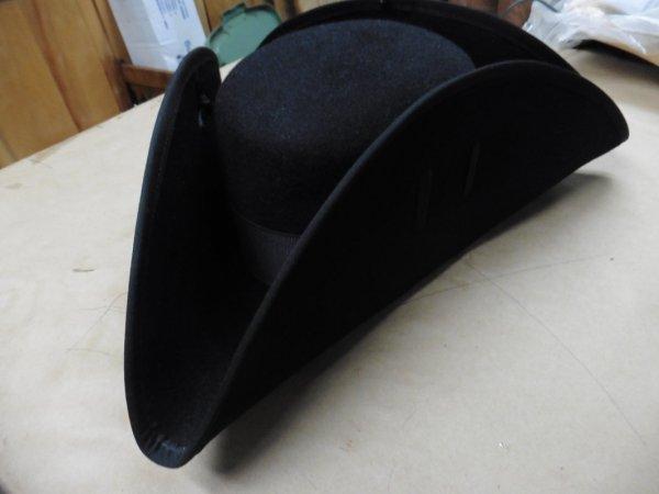 tri corner hat with liner size L.JPG