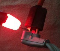 finding hot lead in pump wire at plug on cord all lit up.jpg