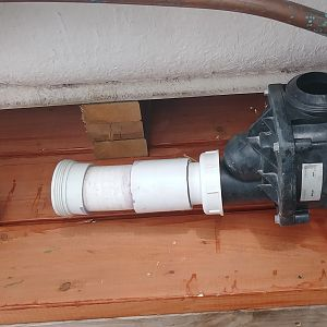 Whirlpool tub plumbing